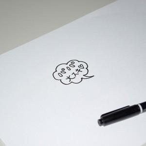紙にマジックで描いた吹き出しのイラスト